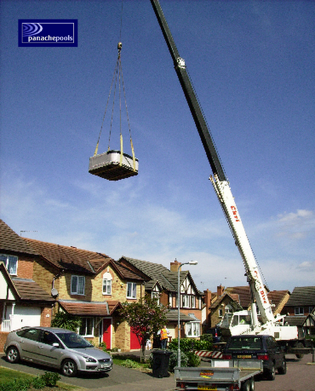 Hot tub crane lift