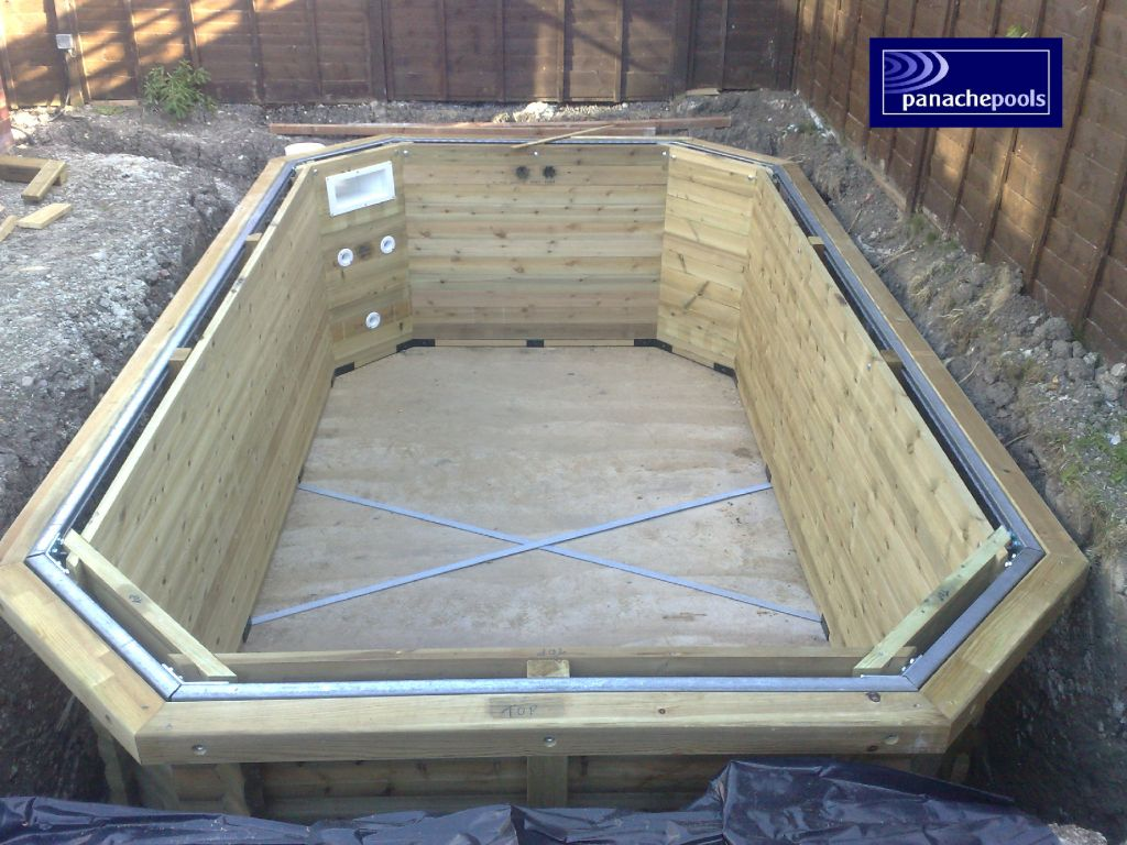 Swimming pools design build install northamptonshire for Swimming pool builders