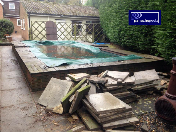 Pool in need of refurb.